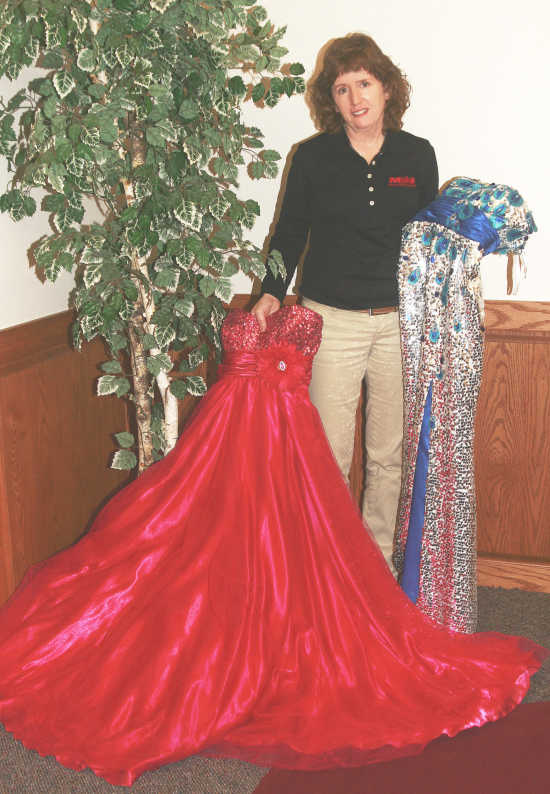 Local News: Specialty shop provides bargain prom dresses, benefits ...