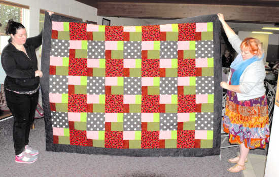 Local News Piecemakers Quilt Guild Providing Comfort For Children
